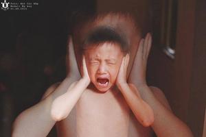 """""""Đứa trẻ công nghệ"""" – Cách nuôi dạy con của các bậc ca mẹ hiện đại?"""